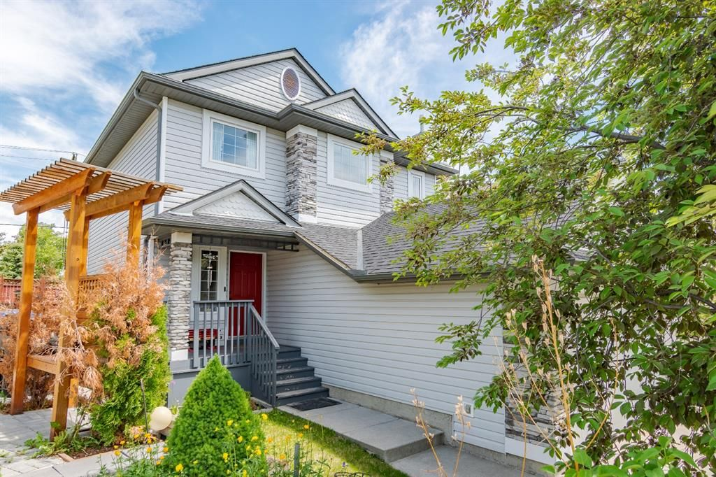 Main Photo: 120 TUSCANY RIDGE View NW in Calgary: Tuscany Detached for sale : MLS®# A1116822