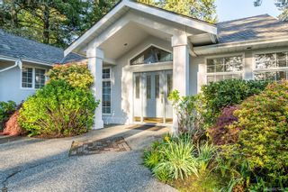 Photo 3: 1057 Losana Pl in : CS Brentwood Bay House for sale (Central Saanich)  : MLS®# 876447