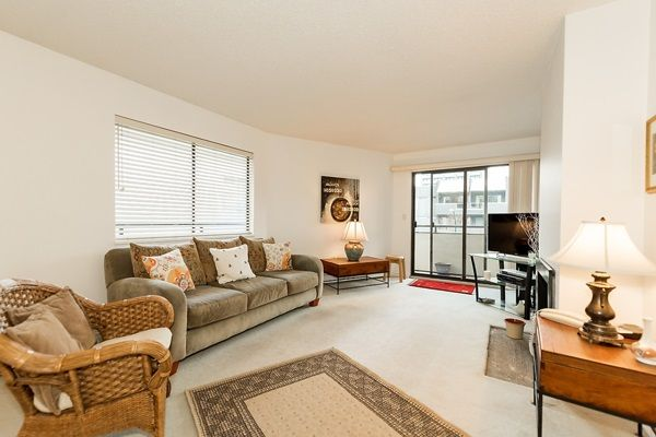 Photo 3: Photos: 303 2935 SPRUCE Street in Vancouver: Fairview VW Condo for sale (Vancouver West)  : MLS®# R2131963