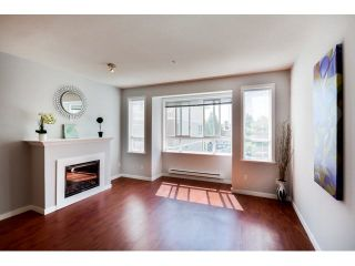 """Photo 4: 9 20159 68 Avenue in Langley: Willoughby Heights Townhouse for sale in """"VANTAGE"""" : MLS®# F1449062"""