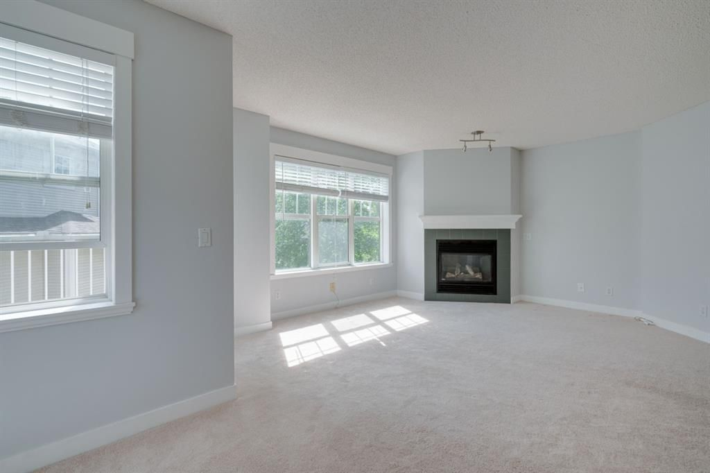 Photo 6: Photos: 3201 7171 Coach Hill Road SW in Calgary: Coach Hill Row/Townhouse for sale : MLS®# A1124017