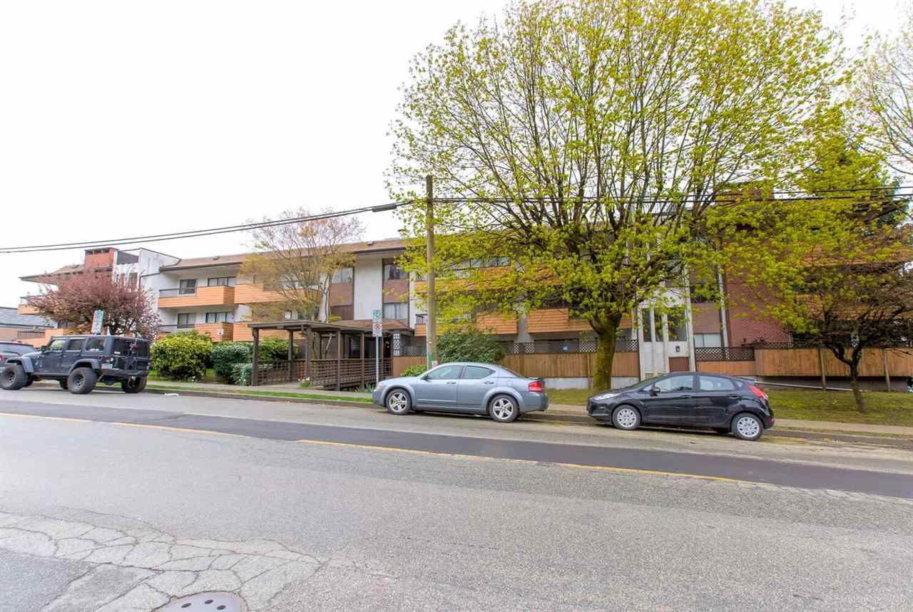 """Main Photo: 104 410 AGNES Street in New Westminster: Downtown NW Condo for sale in """"MARSEILLE PLAZA"""" : MLS®# R2357531"""