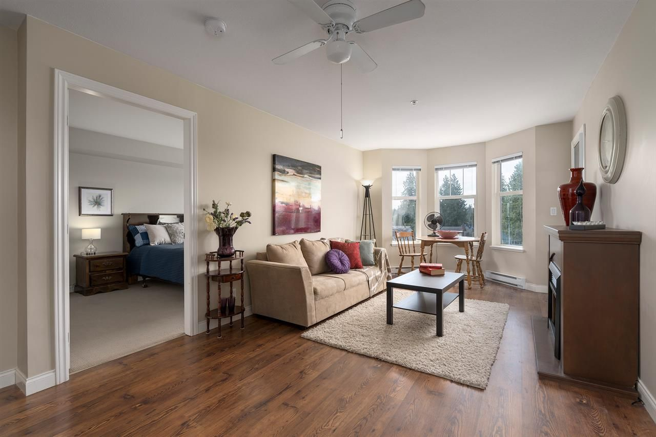 """Photo 4: Photos: 312 5438 198 Street in Langley: Langley City Condo for sale in """"CREEKSIDE ESTATES"""" : MLS®# R2394421"""