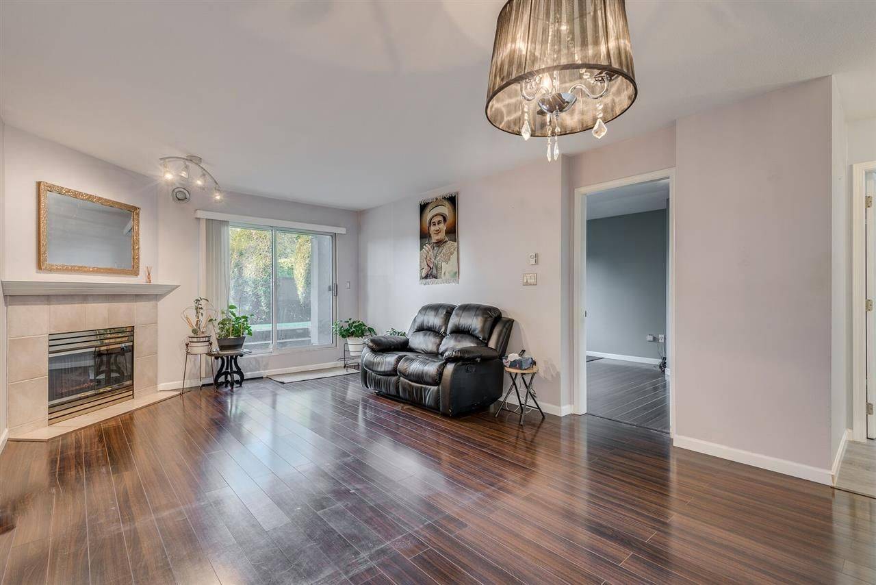 """Photo 4: Photos: 108 3733 NORFOLK Street in Burnaby: Central BN Condo for sale in """"Winchelsea"""" (Burnaby North)  : MLS®# R2400393"""