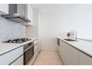 """Photo 10: 5101 4670 ASSEMBLY Way in Burnaby: Metrotown Condo for sale in """"Station Square"""" (Burnaby South)  : MLS®# R2351186"""