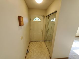 Photo 11: 39 Martinglen Way NE in Calgary: Martindale Detached for sale : MLS®# A1122060