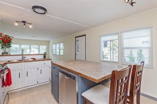 """Photo 6: 6 32380 LOUGHEED Highway in Mission: Mission BC Manufactured Home for sale in """"The Grove Mobile Home Park"""" : MLS®# R2586007"""