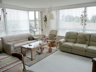 """Photo 3: 605 3190 GLADWIN Road in Abbotsford: Central Abbotsford Condo for sale in """"Regency Park"""" : MLS®# R2365734"""