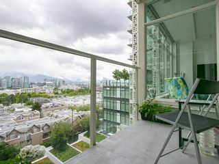 """Photo 4: 905 728 W 8TH Avenue in Vancouver: Fairview VW Condo for sale in """"700 WEST8TH"""" (Vancouver West)  : MLS®# R2082142"""