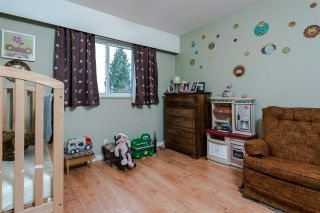 "Photo 11: 8229 18TH Avenue in Burnaby: East Burnaby House for sale in ""EAST BURNABY"" (Burnaby East)  : MLS®# R2045815"