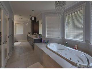 Photo 12: 710 Red Cedar Court in : Hi Western Highlands House for sale (Highlands)  : MLS®# 318998