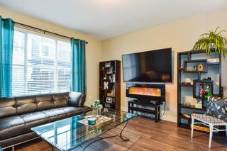 Photo 3: 37 19180 65TH AVENUE in Cloverdale: Home for sale : MLS®# R2233560