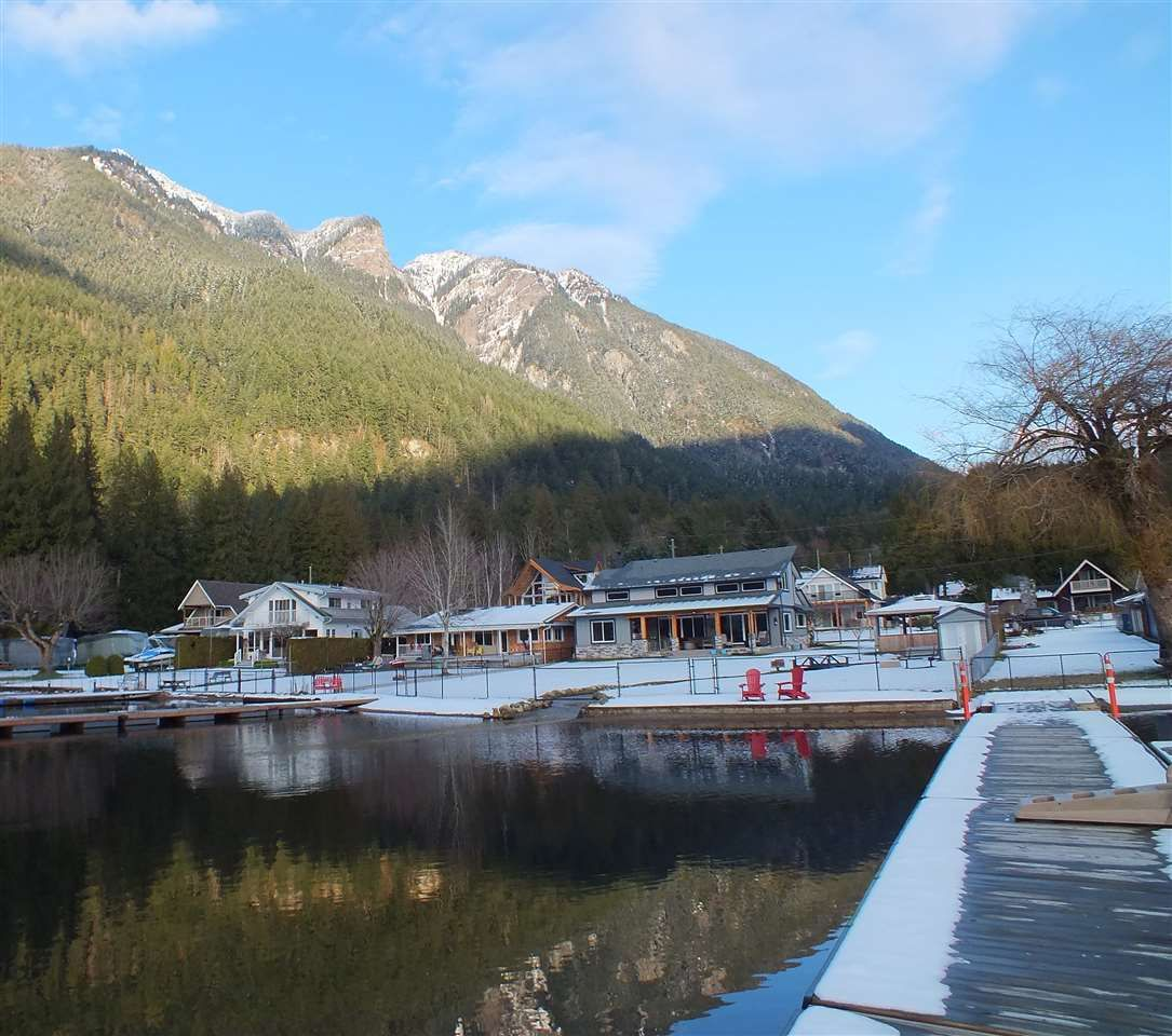 Main Photo: 66531 KERELUK Road in Hope: Hope Kawkawa Lake House for sale : MLS®# R2532830