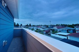 Photo 17: 2158 MANNERING Avenue in Vancouver: Collingwood VE 1/2 Duplex for sale (Vancouver East)  : MLS®# R2309901
