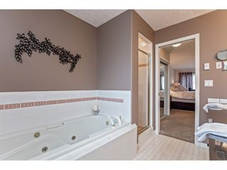 """Photo 22: 147 4001 OLD CLAYBURN Road in Abbotsford: Abbotsford East Townhouse for sale in """"CEDAR SPRINGS"""" : MLS®# R2555932"""