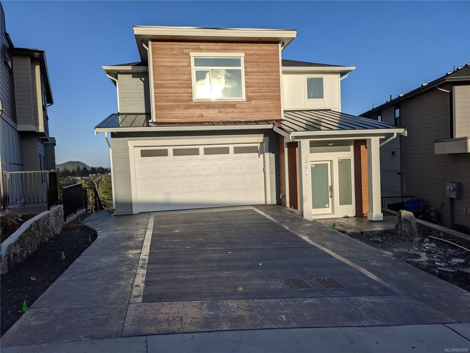 Main Photo: 2382 Azurite Cres in : La Bear Mountain House for sale (Langford)  : MLS®# 862656