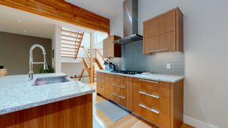 Photo 6: 4521 Mead Court in Edmonton: Zone 14 House for sale : MLS®# E4260756