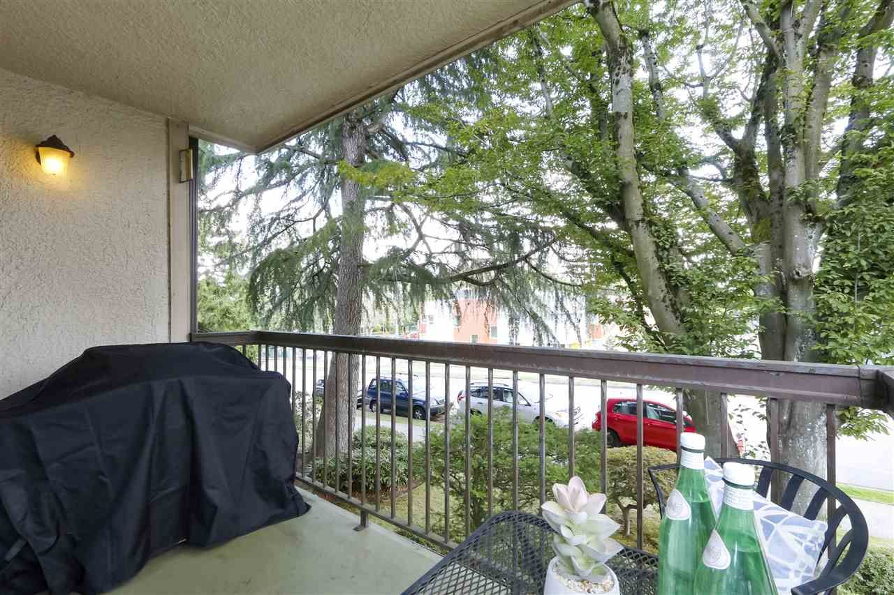 Photo 11: Photos: 215 1235 W 15TH AVENUE in Vancouver: Fairview VW Condo for sale (Vancouver West)  : MLS®# R2404476