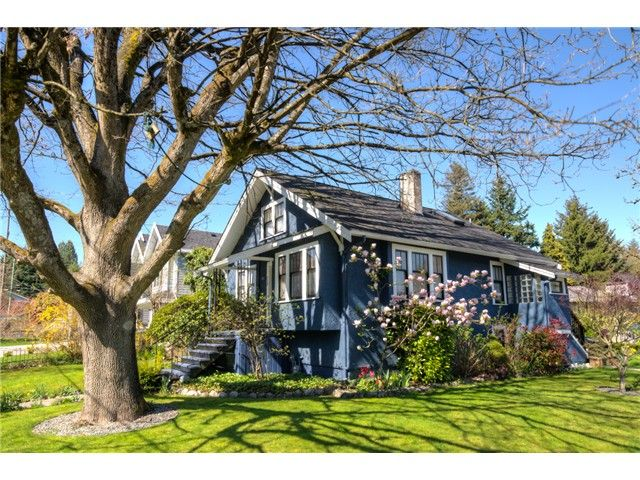 "Main Photo: 929 FOURTH Street in New Westminster: GlenBrooke North House for sale in ""GLENBROOKE NORTH"" : MLS®# V1058200"