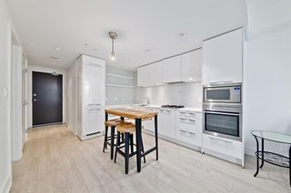 Photo 4: 1003 901 10 Avenue SW in Calgary: Beltline Apartment for sale : MLS®# A1072963