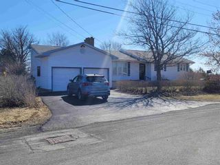 Photo 2: 31 Beechwood Drive in Glace Bay: 203-Glace Bay Residential for sale (Cape Breton)  : MLS®# 202106683