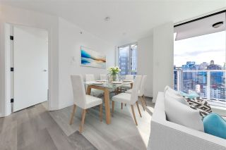 """Photo 3: 2304 550 TAYLOR Street in Vancouver: Downtown VW Condo for sale in """"THE TAYLOR"""" (Vancouver West)  : MLS®# R2569788"""