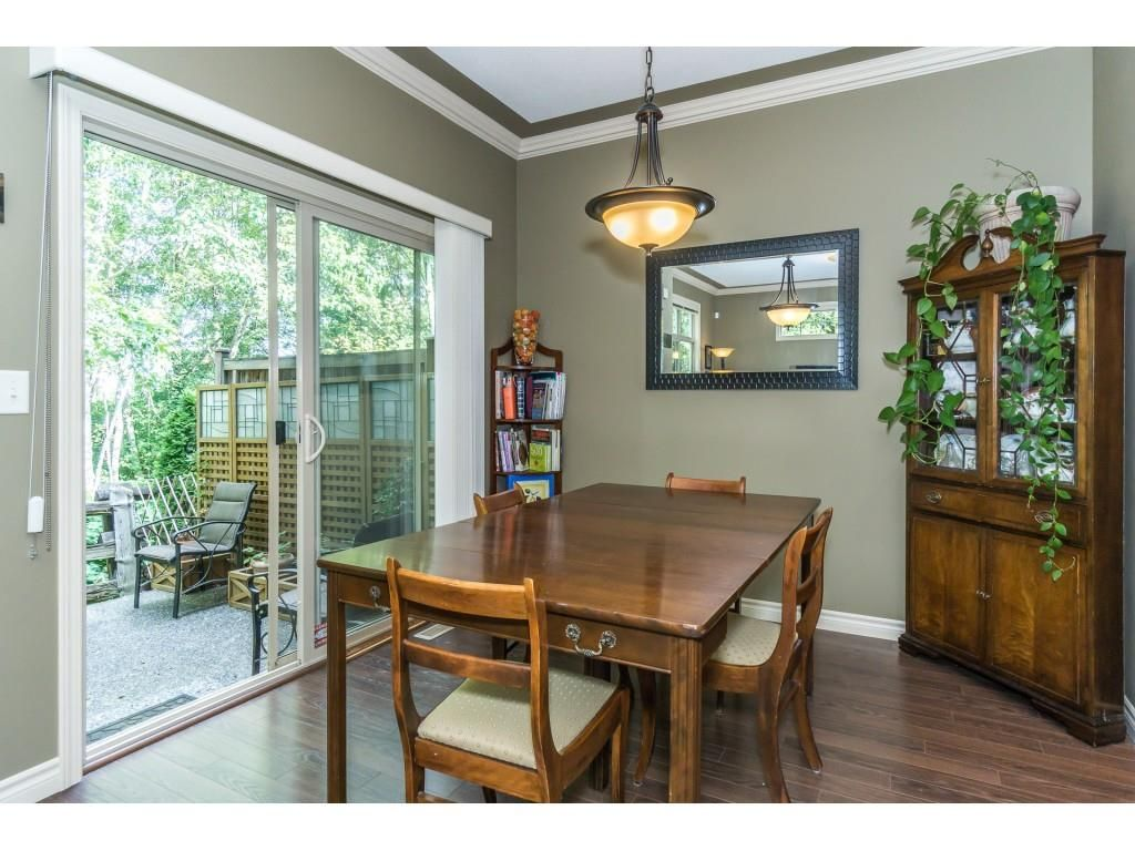 """Photo 7: Photos: 32 46840 RUSSELL Road in Sardis: Promontory Townhouse for sale in """"Timeber Ridge"""" : MLS®# R2359001"""