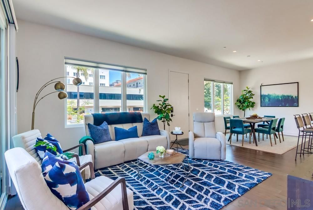 Main Photo: DOWNTOWN Townhouse for sale : 3 bedrooms : 545 Hawthorn in San Diego
