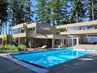Photo 2: 1156 Moore Rd in COMOX: CV Comox Peninsula House for sale (Comox Valley)  : MLS®# 840830