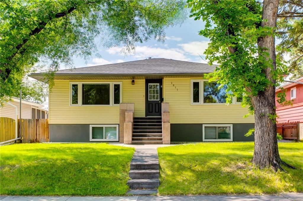 Main Photo: 2017 37 Street SE in Calgary: Forest Lawn Detached for sale : MLS®# A1101949