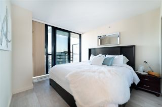 """Photo 4: 2802 909 MAINLAND Street in Vancouver: Yaletown Condo for sale in """"Yaletown Park II"""" (Vancouver West)  : MLS®# R2505728"""