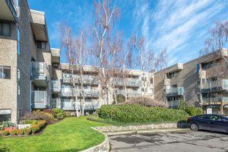 Photo 21: 301 1366 Hillside Ave in : Vi Oaklands Condo for sale (Victoria)  : MLS®# 863851