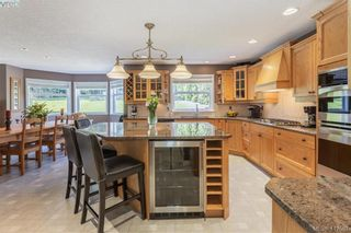 Photo 3: 11000 Inwood Rd in NORTH SAANICH: NS Curteis Point House for sale (North Saanich)  : MLS®# 818154