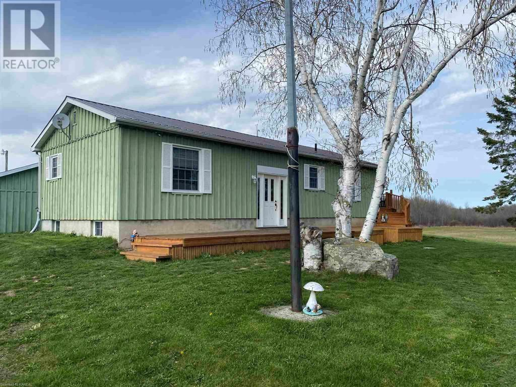 Main Photo: 1998 County Road 10 in Out Of Area: Agriculture for sale : MLS®# K21002828