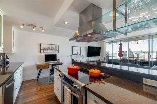 """Photo 1: 1703 1725 PENDRELL Street in Vancouver: West End VW Condo for sale in """"STRATFORD PLACE"""" (Vancouver West)  : MLS®# R2503970"""