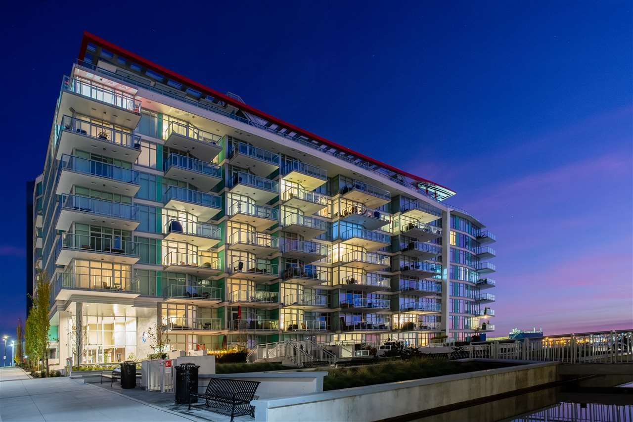 """Main Photo: 805 185 VICTORY SHIP Way in North Vancouver: Lower Lonsdale Condo for sale in """"CASCADE AT THE PIER"""" : MLS®# R2421041"""