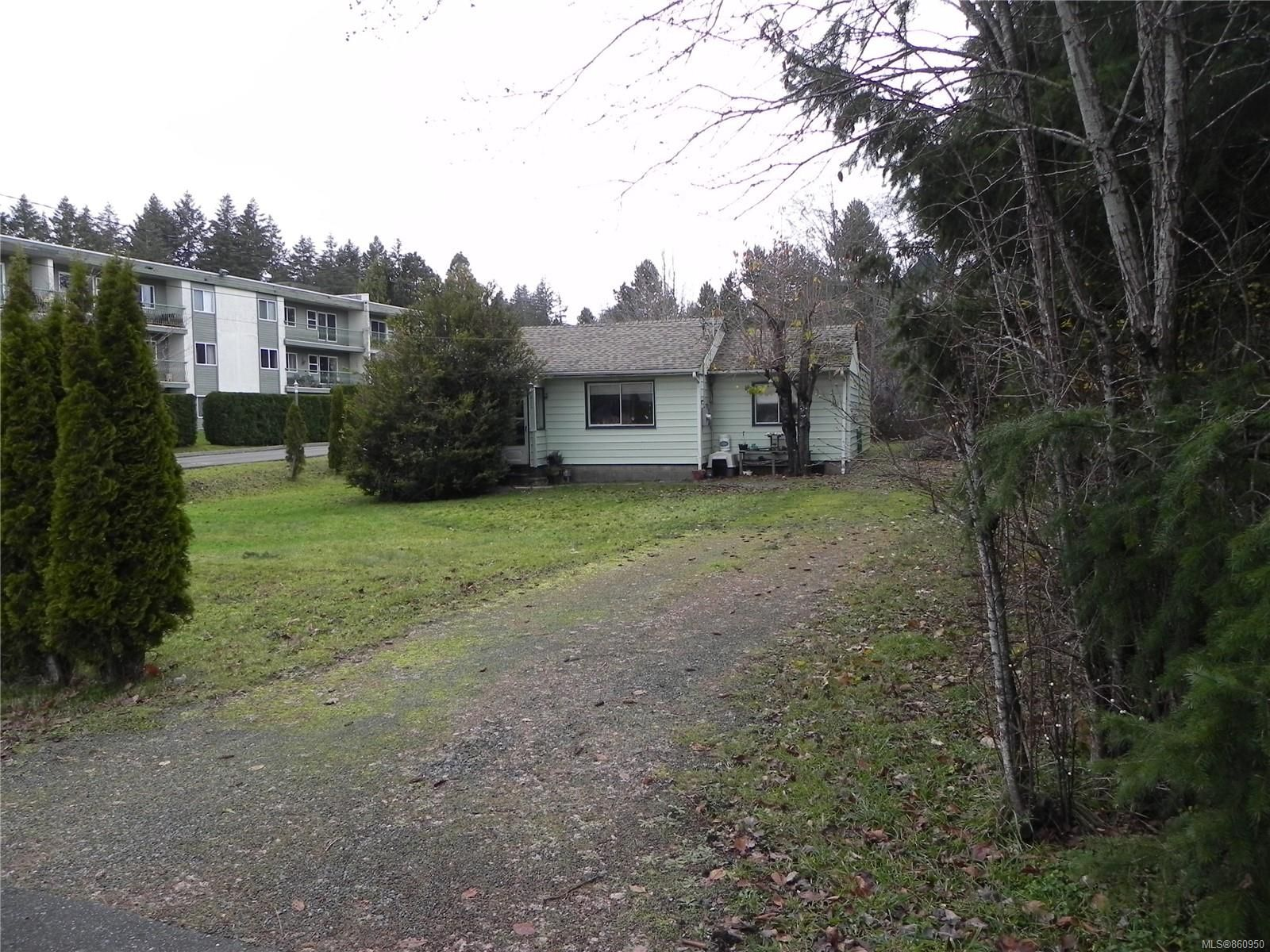 Main Photo: 210 Back Rd in : CV Courtenay East House for sale (Comox Valley)  : MLS®# 860950