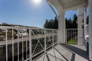 """Photo 17: 307 16396 64 Avenue in Surrey: Cloverdale BC Condo for sale in """"The Ridge at Bose Farms"""" (Cloverdale)  : MLS®# R2002175"""