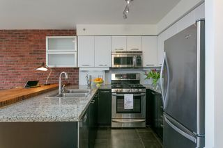 """Photo 8: 1008 1238 RICHARDS Street in Vancouver: Yaletown Condo for sale in """"METROPOLIS"""" (Vancouver West)  : MLS®# R2452504"""