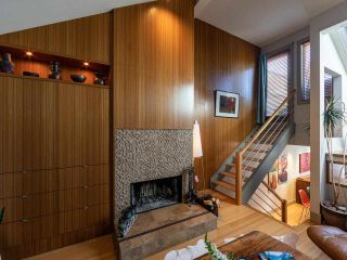 """Photo 4: 1674 ARBUTUS Street in Vancouver: Kitsilano Townhouse for sale in """"Arbutus Court"""" (Vancouver West)  : MLS®# R2561294"""