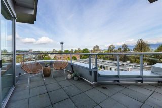 """Photo 2: 704 2655 CRANBERRY Drive in Vancouver: Kitsilano Condo for sale in """"NEW YORKER"""" (Vancouver West)  : MLS®# R2579388"""