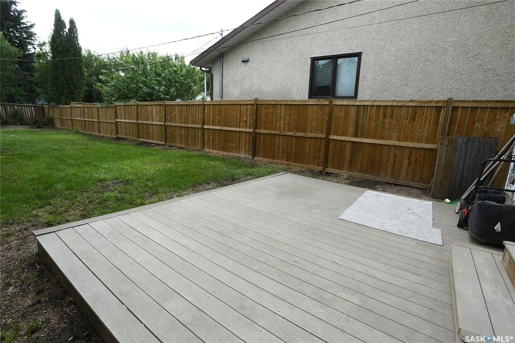 Photo 47: Photos: 131B 113th Street West in Saskatoon: Sutherland Residential for sale : MLS®# SK778904