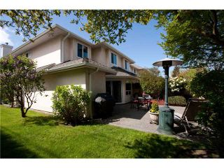 """Photo 2: 14 5651 LACKNER Crescent in Richmond: Lackner Townhouse for sale in """"MADERA COURT"""" : MLS®# V1058288"""