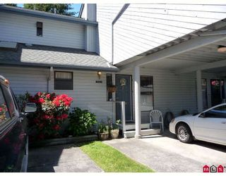 """Photo 1: 15911 ALDER Place in Surrey: King George Corridor Townhouse for sale in """"ALDERWOOD"""" (South Surrey White Rock)  : MLS®# F2912007"""