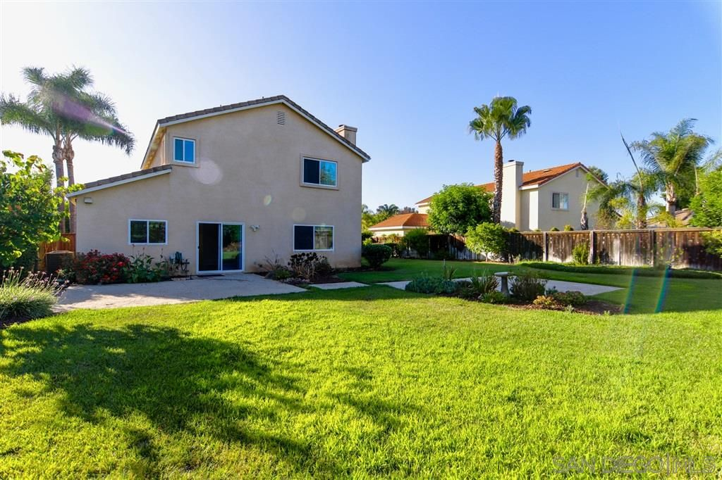 Photo 24: Photos: OCEANSIDE House for sale : 5 bedrooms : 5757 Spur Avenue