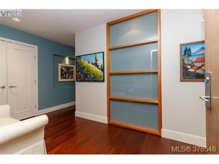 Photo 2: 108 3223 Selleck Way in VICTORIA: Co Lagoon Condo for sale (Colwood)  : MLS®# 760118