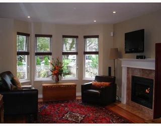 Photo 2: 1035 10TH Ave: Mount Pleasant VE Home for sale ()  : MLS®# V757811