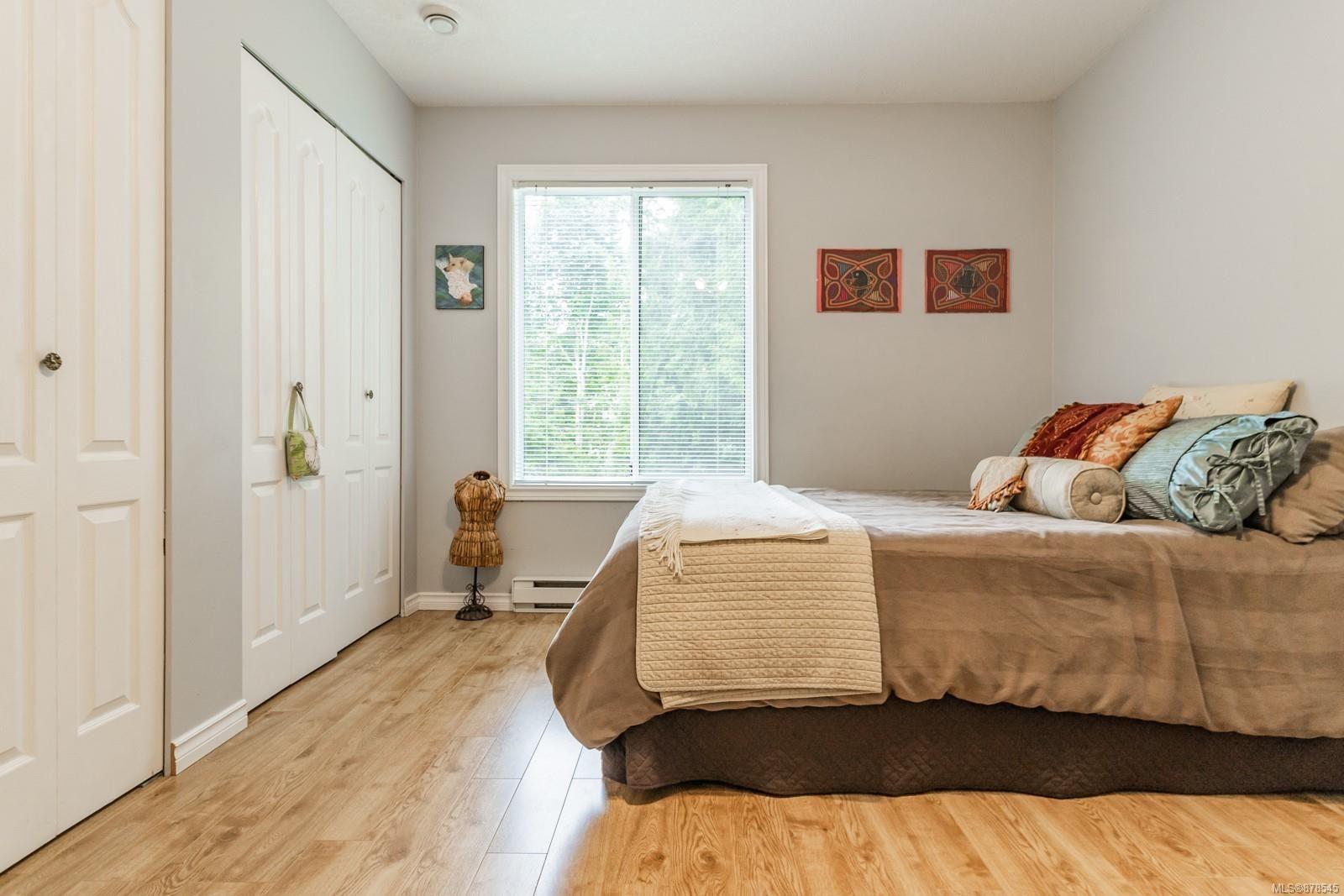 Photo 22: Photos: 1070 Symons Cres in : PQ Qualicum Beach House for sale (Parksville/Qualicum)  : MLS®# 878545