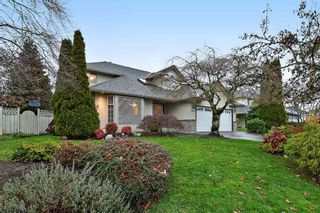 """Photo 2: 18617 60A Avenue in Surrey: Cloverdale BC House for sale in """"Eaglecrest"""" (Cloverdale)  : MLS®# R2324863"""