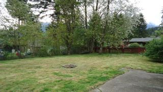 """Photo 3: 1006 ARBUTUS Drive in Squamish: Valleycliffe House for sale in """"VALLEYCLIFF"""" : MLS®# R2058204"""